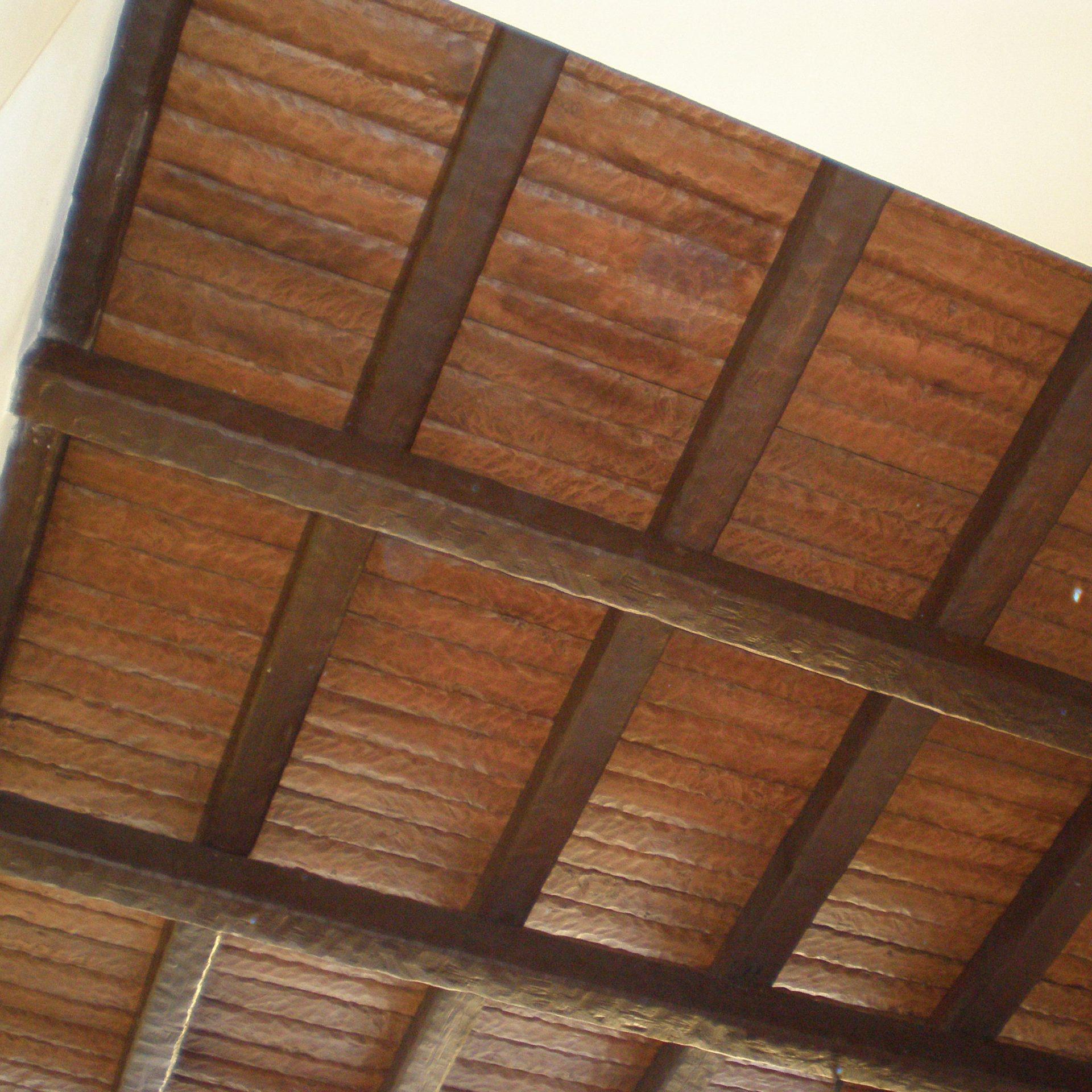 Panel de poliuretano imitación madera machihembrada rústica, color claro
